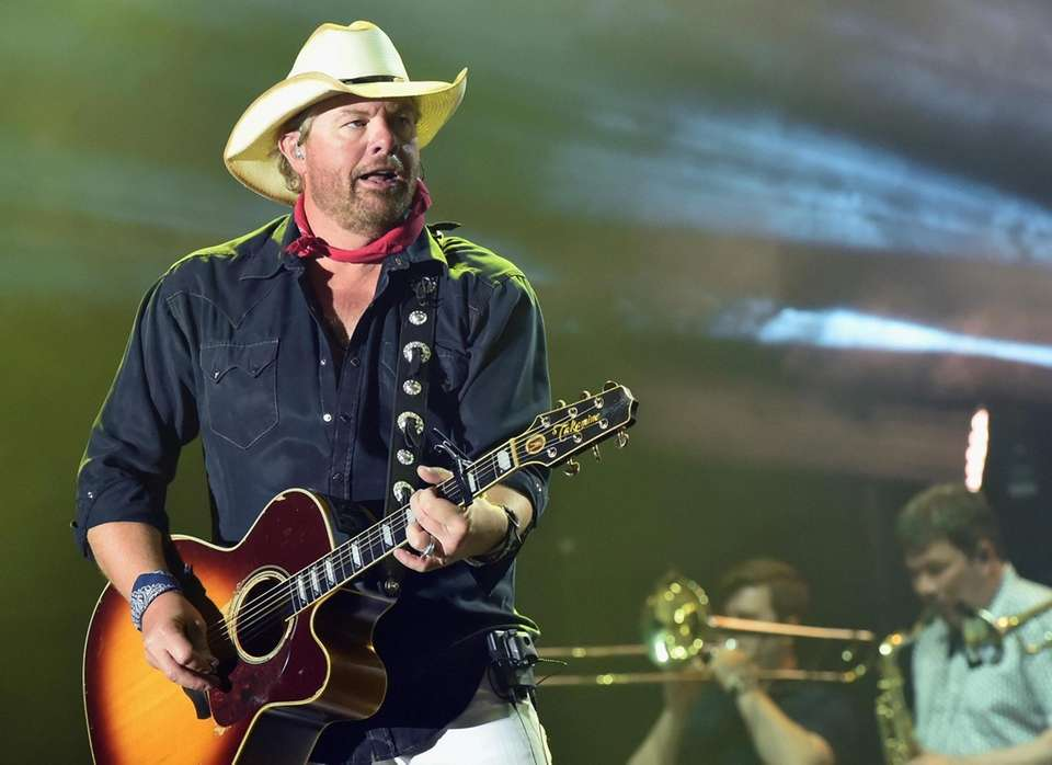 FLORENCE, AZ - APRIL 07: Singer/Songwriter Toby Keith