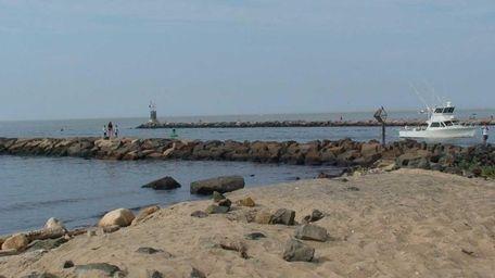 The inlet to Lake Montauk. (July 24, 2011)