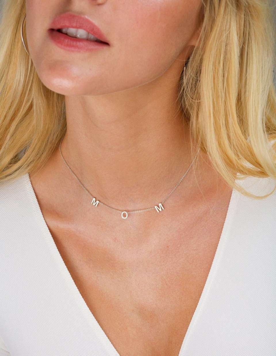 This statement necklace can say Mom, Mama or