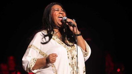 Aretha Franklin performs at Jones Beach. (July 27,