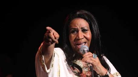 Aretha Franklin performs at Jones Beach. (July 27,