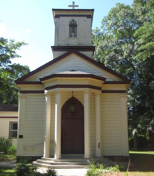 St. Andrew's Episcopal Church in Yaphank was built