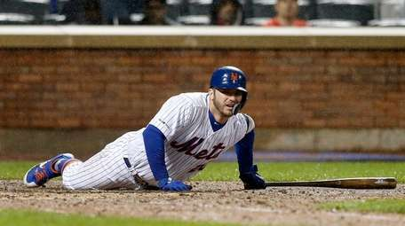 Pete Alonso of the Mets reacts after he