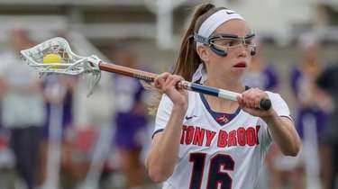 Siobhan Rafferty of Stony Brook looks to take