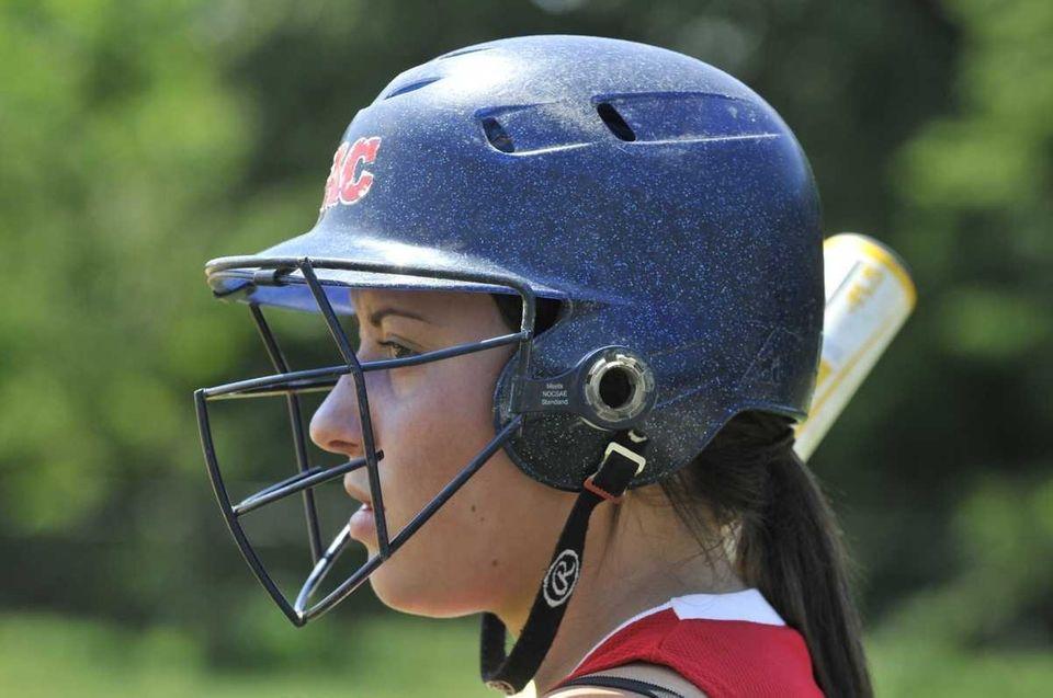 Jennifer Arbiter of the Levittown Slammers U-16 softball