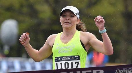 Michele Walker of Massapequa wins the women's 10K