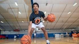 Jordan Riley of Brentwood practicing at Premier Basketball
