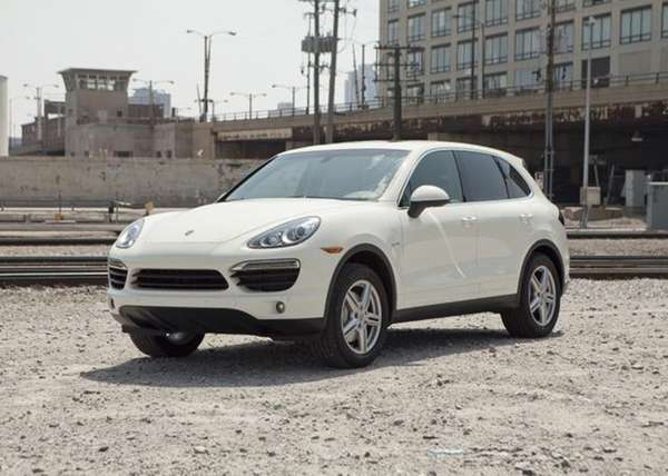 Like most hybrids, the Cayenne looks like its