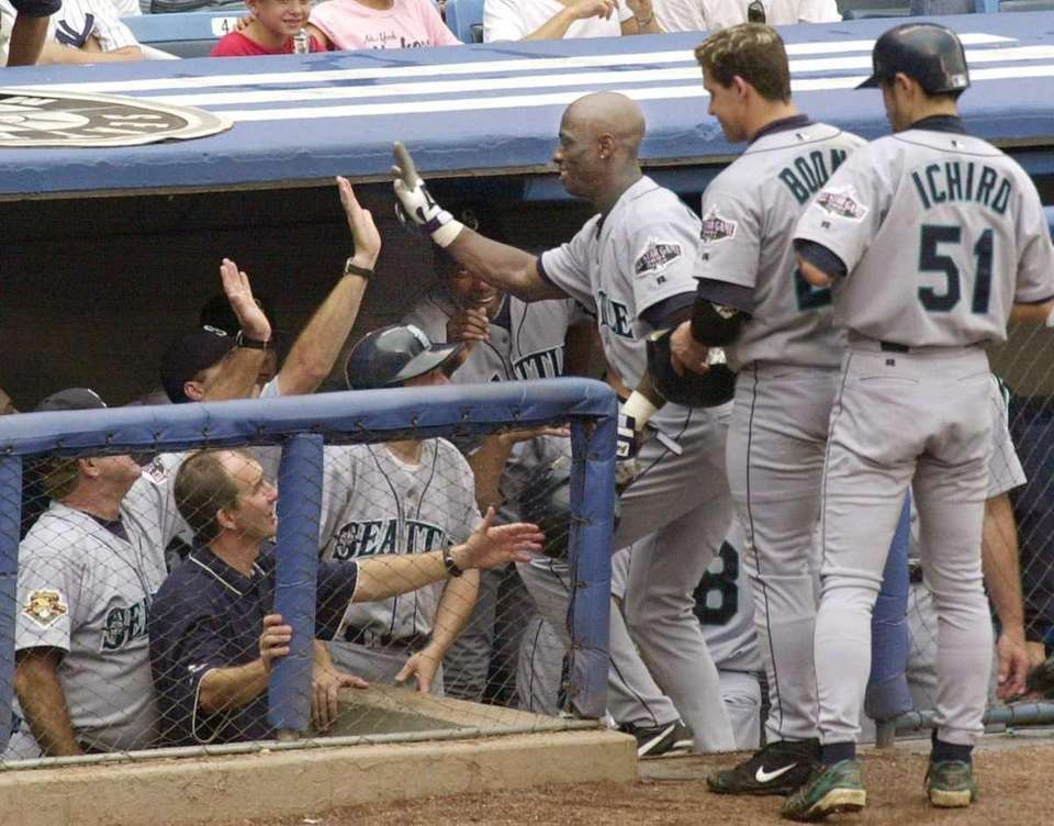 2001 SEATTLE MARINERS Record: 116-46 Manager: Lou Piniella