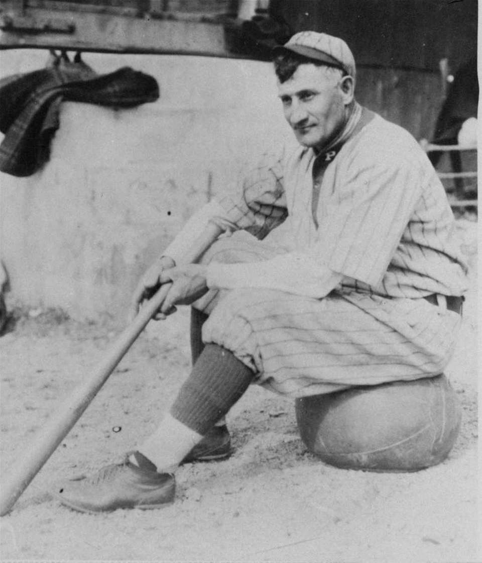 1909 PITTSBURGH PIRATES Record: 110-42 Manager: Fred Clarke