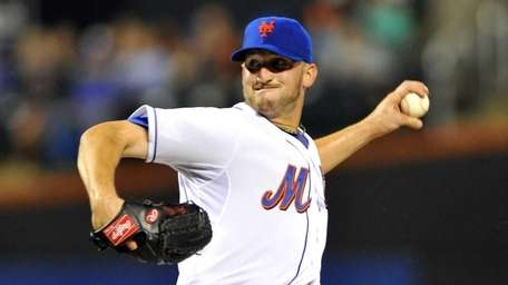 Jonathan Niese pitching in the first inning. (Aug.