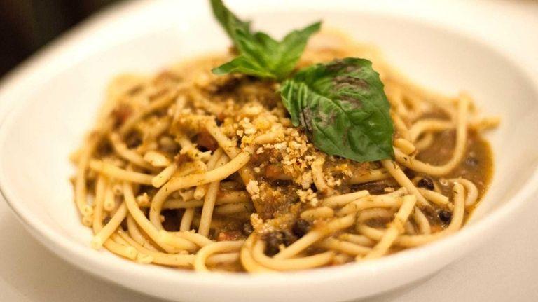 Bucatini con le sarde, thick pasta with sardines,