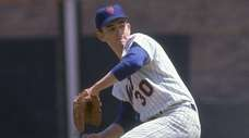 Nolan Ryan of the Mets pitches to the