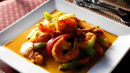 Shrimp mango curry at Raan Thai, a Smithtown