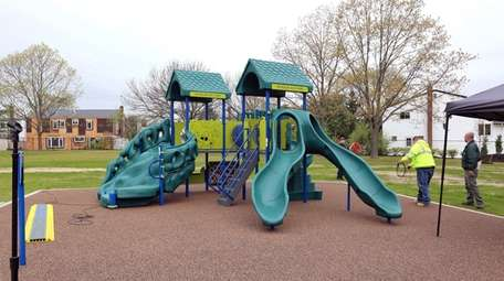 The new playground at Wynsum Avenue Park in