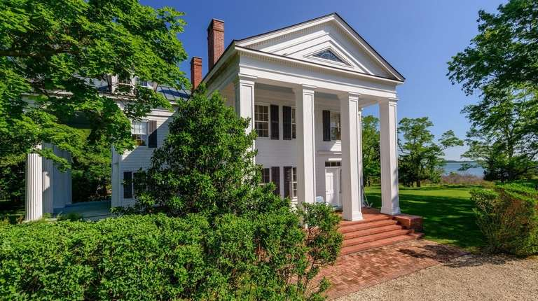 Christie Brinkley sold this home in North Haven.