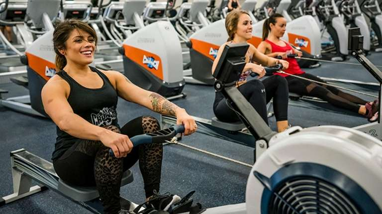 Four to six Crunch Fitness franchises will open