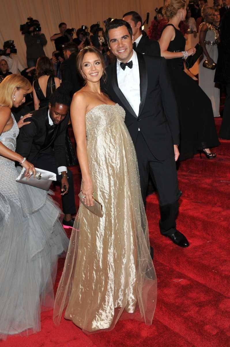 Parents: Jessica Alba and Cash Warren Children: Honor,