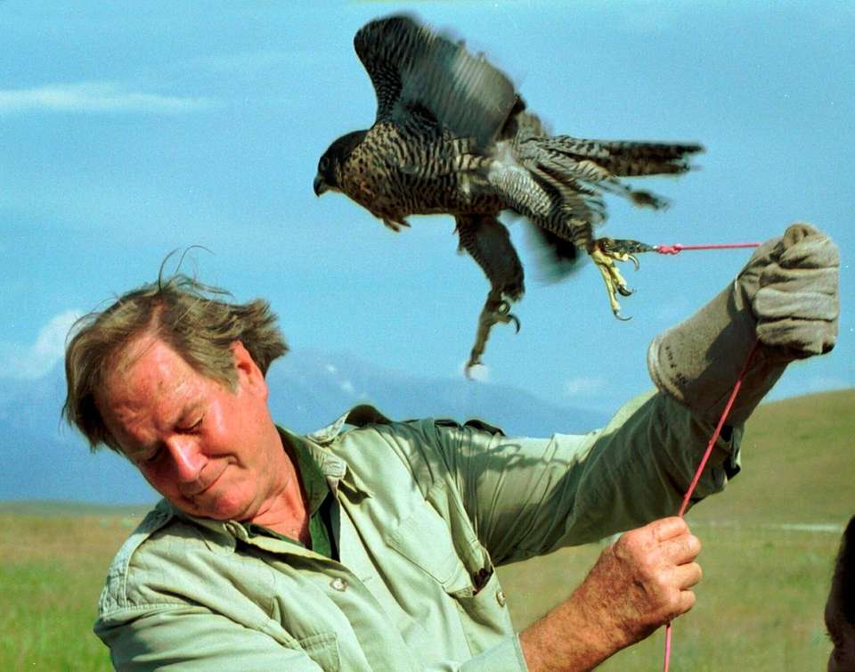 Jim Fowler, a naturalist who rose to fame