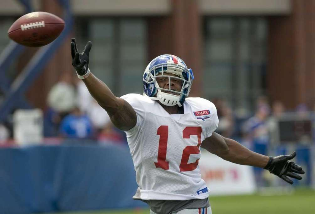 New York Giants Jerrel Jernigan #12 reaches for