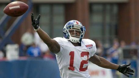 New York Giants Jerrel Jernigan #12 reaches for