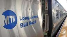 A train at the Hicksville LIRR station on