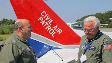 (left to right) Lt. Col. Warren Ratis, and