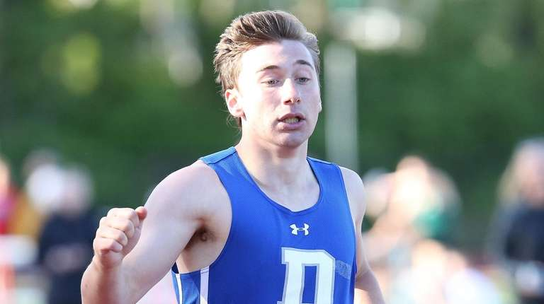 Division's Ethan Sochinsky finishes first in the boys