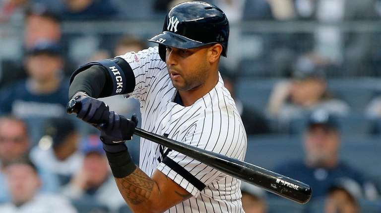 Aaron Hicks of the Yankees bats in first