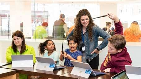 Microsoft Stores are offering four new, free summer
