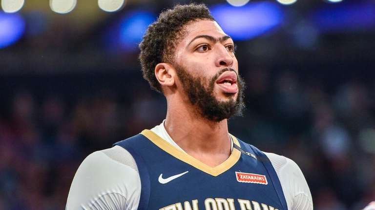 Pelicans forward Anthony Davis reacts after scoring against