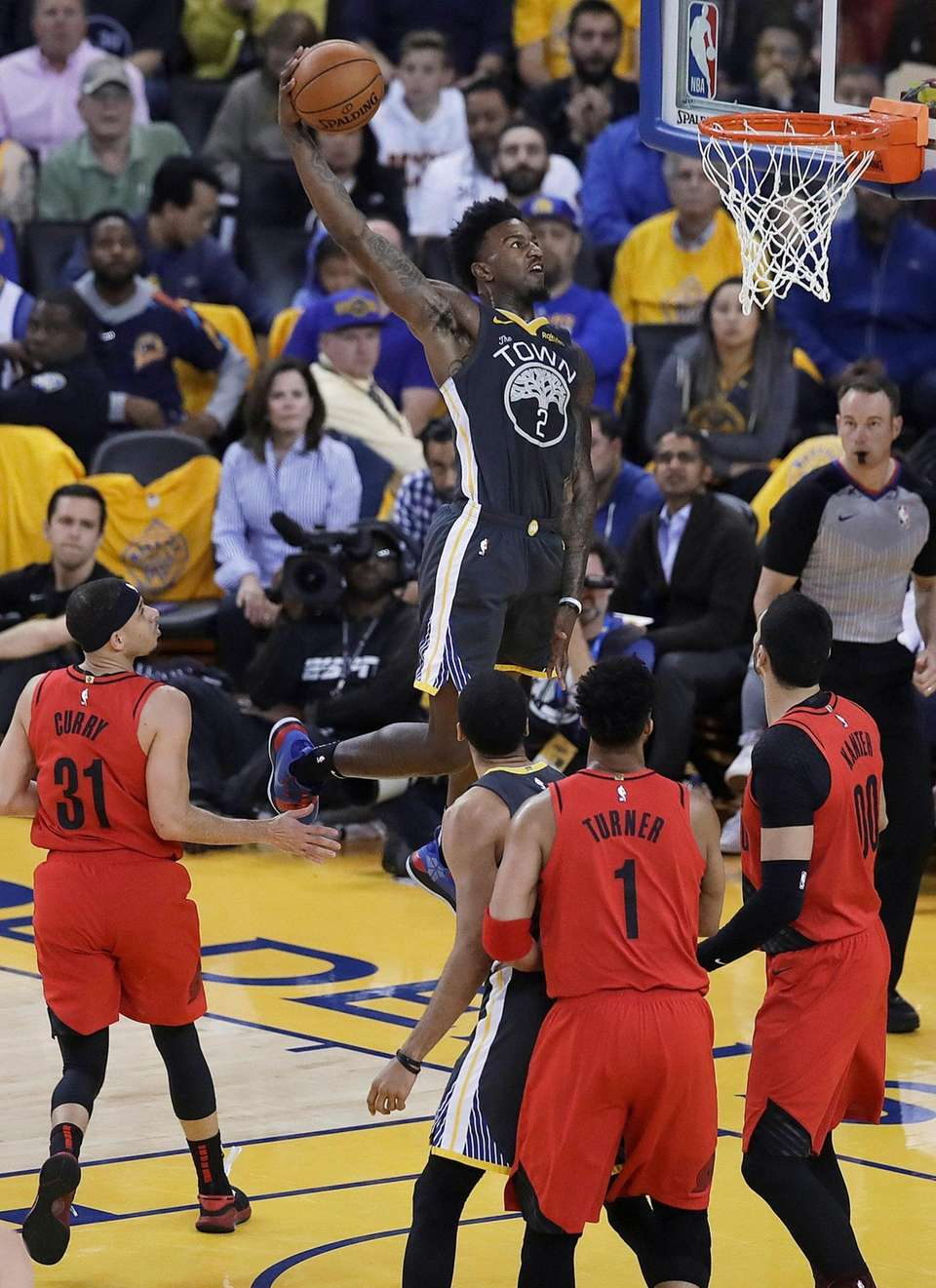 Golden State Warriors forward Jordan Bell (2) dunks