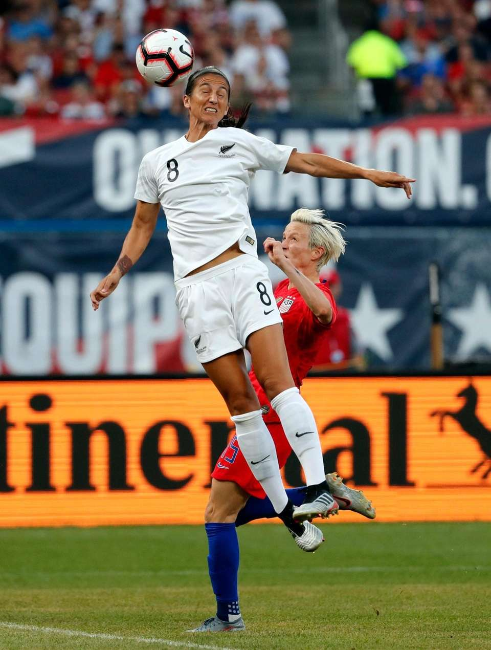 New Zealand's Abby Erceg (8) reaches for the