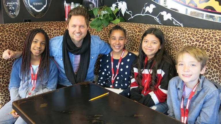 Singer-songwriter Nick Howard talks with Long Island kids