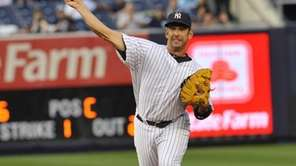 Jorge Posada throws out Anthony Recker to end