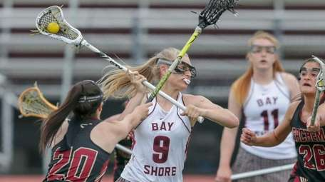 Ali Susskind #9 of Bay Shore takes a