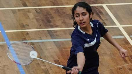 Saloni Jhawer of Jericho competes in the semifinals
