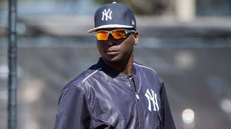 The Yankees' Didi Gregorius, leaves the fielding session