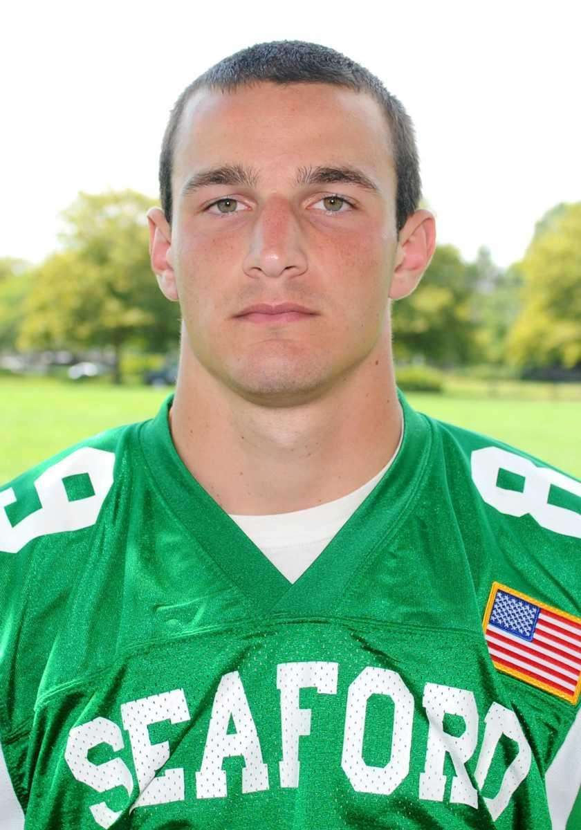 BRIAN GILBERT Seaford, Senior WR/DB 6-0, 190