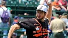 Long Island Ducks starting pitcher Darin Downs delivers