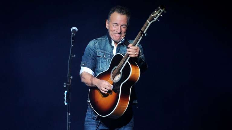 """Bruce Springsteen shines on his """"Western Stars"""" album."""