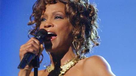 Whitney Houston performs at the VH1 Divas