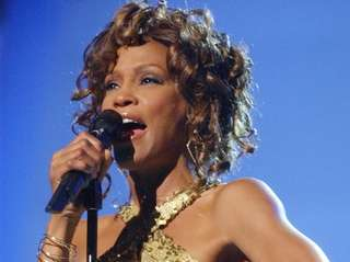Whitney Houston performs at the VH1 Divas