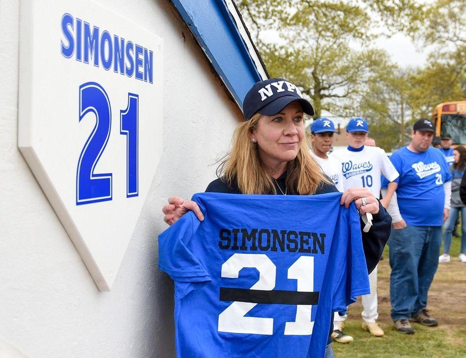 Leanne Simonsen, wife of fallen NYPD officer Brian