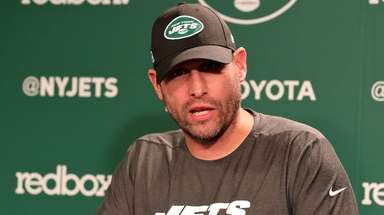 Jets coach Adam Gase speaks at the rookie