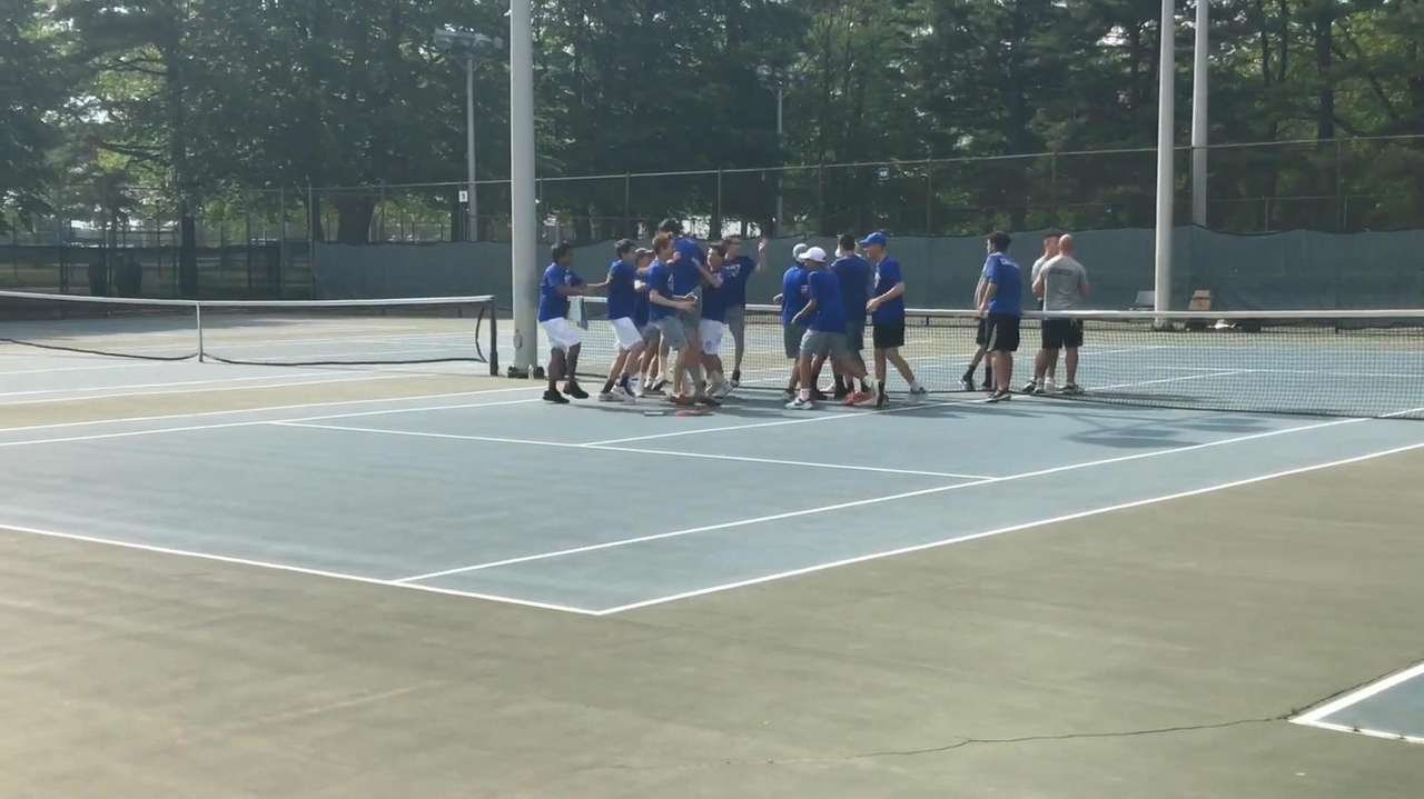 Port Washington defeated Syosset, 4-3, to win the