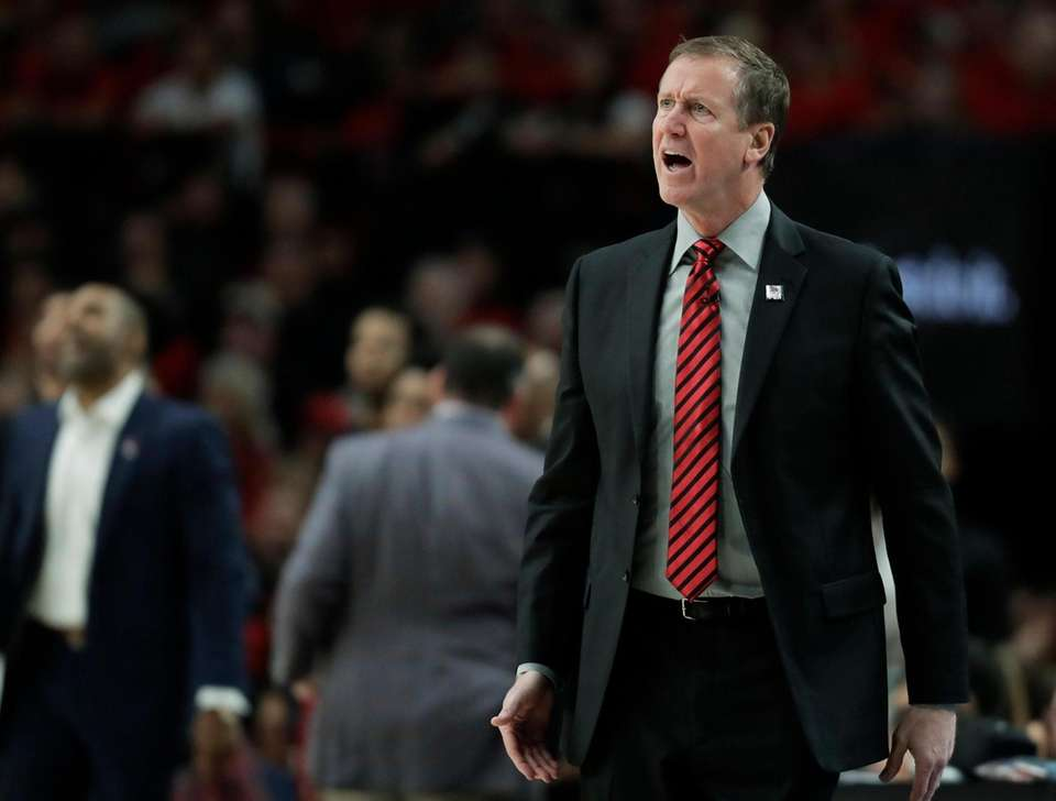 Portland Trail Blazers head coach Terry Stotts calls
