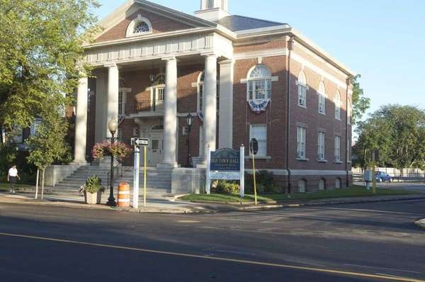 Babylon Old Town Hall is a national historic