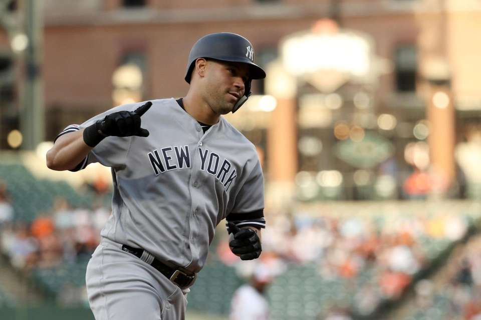 Gary Sanchez of the Yankees rounds the bases