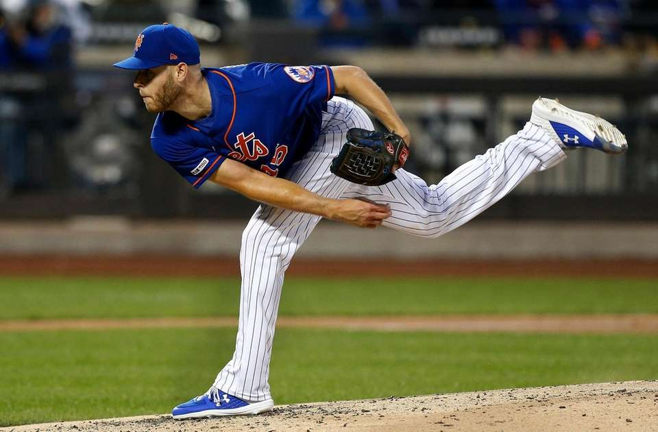 Zack Wheeler of the Mets pitches during the